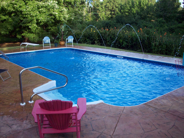 Liner Pool with Deck Jets